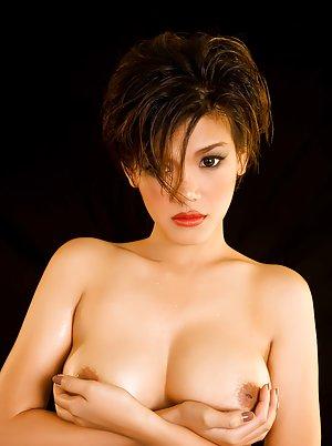 Asian Babe Pics